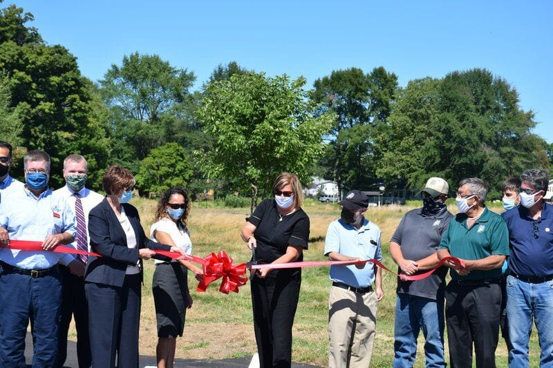 Image of Metroparks Ribbon Cutting